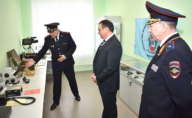 Н. Федоров посетил МВД поЧувашской Республике