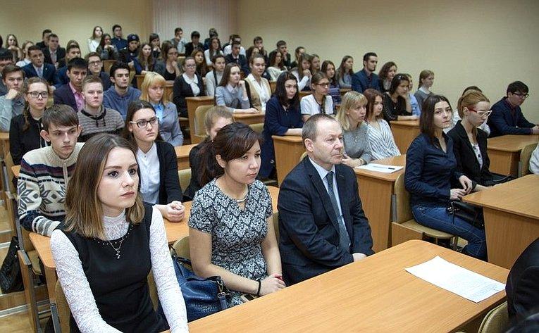 Константин Косачев входе рабочей поездкой врегион посетил Марийский государственный университет
