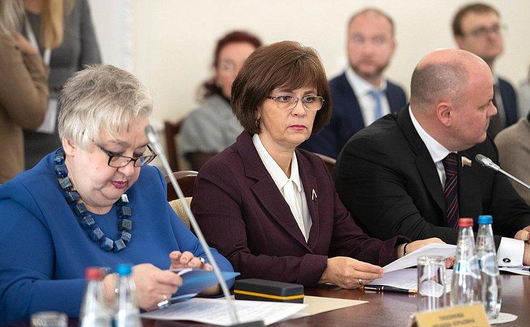 Ираида Тихонова иЕлена Попова