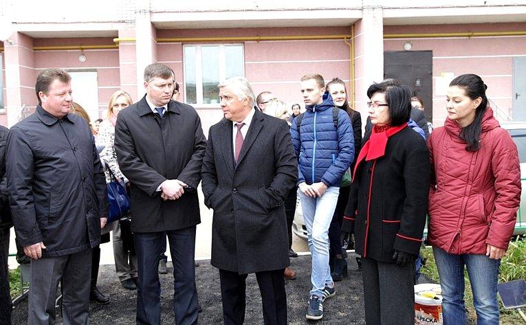 Юрий Волков врамках работы врегионе посетил областной цент