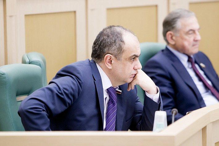 М. Суюнчев 371-е заседание Совета Федерации