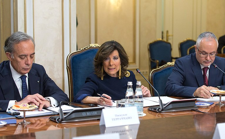 Председатель Сената Итальянской Республики Мария Элизабетта Альберти Казеллати
