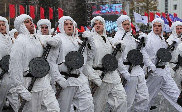 К.Косачев принял участие вПараде Памяти вСамаре