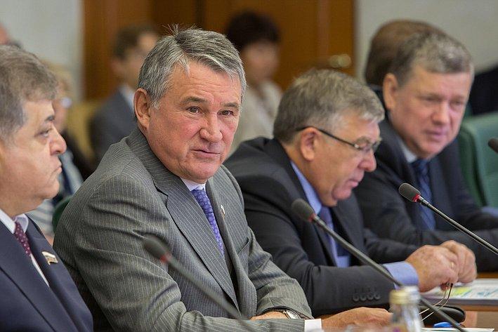 Ю. Воробьев на заседании Комитета общественной поддержки жителей Юго-Востока Украины