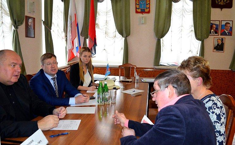 Сергей Аренин провел приём граждан вСаратовской области