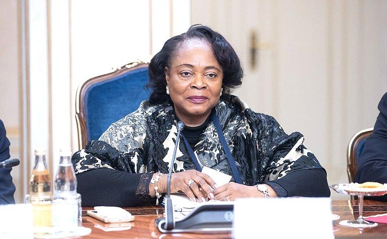 Встреча сПредседателем Сената Парламента Республики Экваториальная Гвинея Тересой Эфуа Асангоно