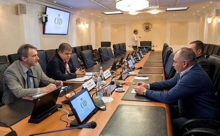 В. Джабаров провел встречу сдепутатом Парламента Армении, членом ПА ОБСЕ Т. Уриханяном