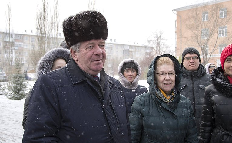 Валерий Семенов иЕлена Мизулина