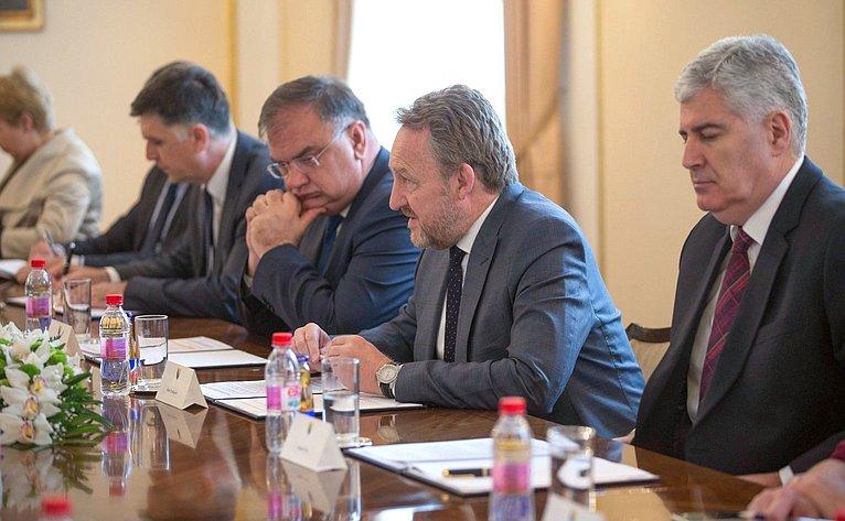Встреча В. Матвиенко счленами Президиума Боснии иГерцеговины