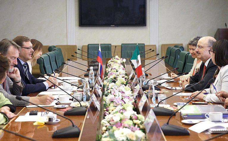 Встреча К. Косачева сзаместителем Министра иностранных дел Мексики Карлосом де Икасой