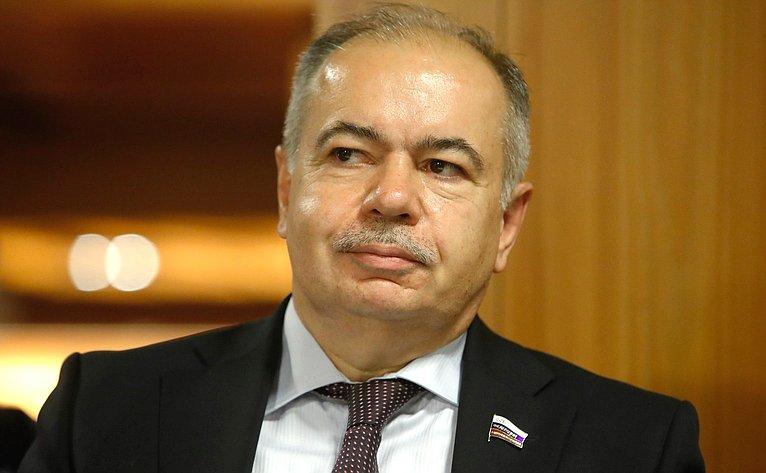 Заместитель Председателя Совета Федерации И. Умаханов
