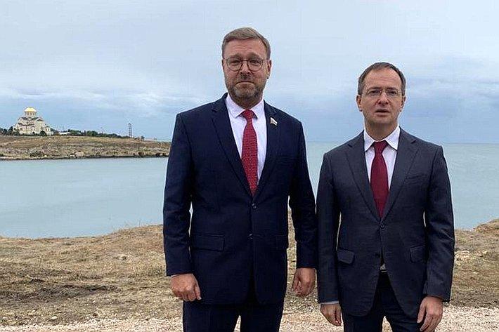 Константин Косачев иВладимир Мединский вКрыму