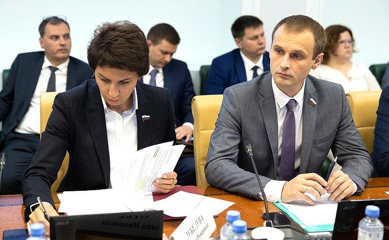 Татьяна Лебедева иСергей Леонов