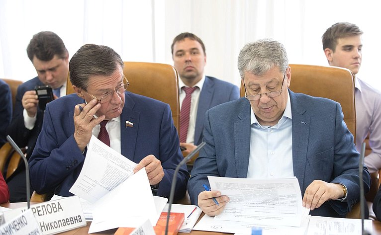 С. Рябухин иА. Чернецкий