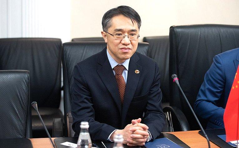 Полномочный министр Посольства КНР вРФ Су Фанцю