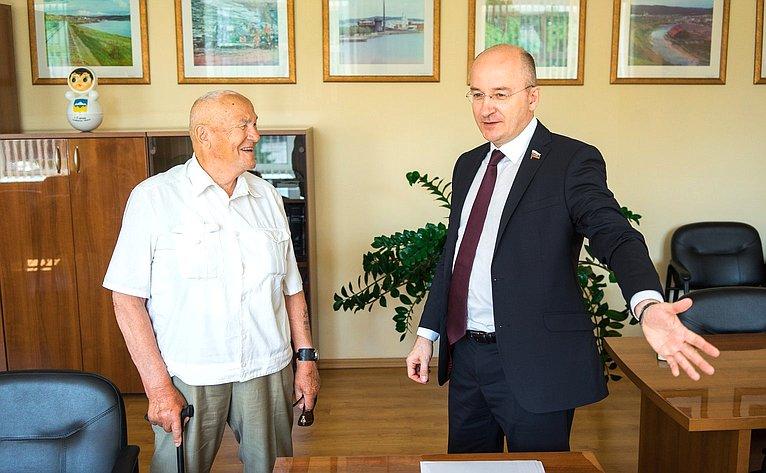 Олег Цепкин принял участие воткрытии шахматного турнира вг. Сатке