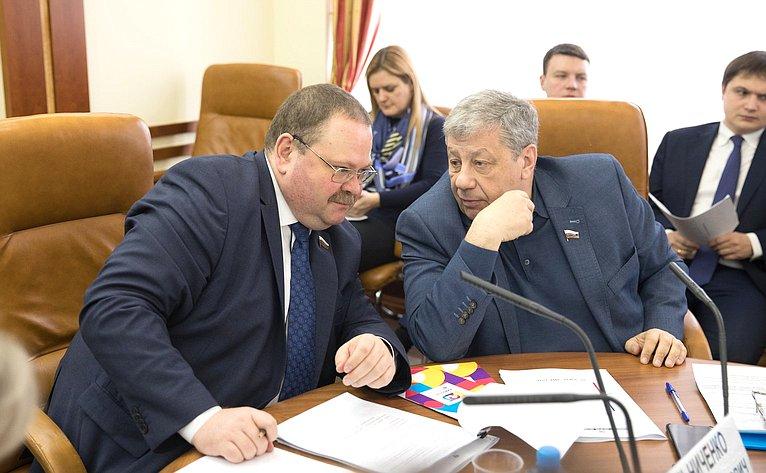 О. Мельниченко иА. Чернецкий