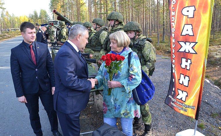 Александр Ракитин врамках работы врегионе сенатор принял участие воткрытии памятной Часовни защитникам Отечества
