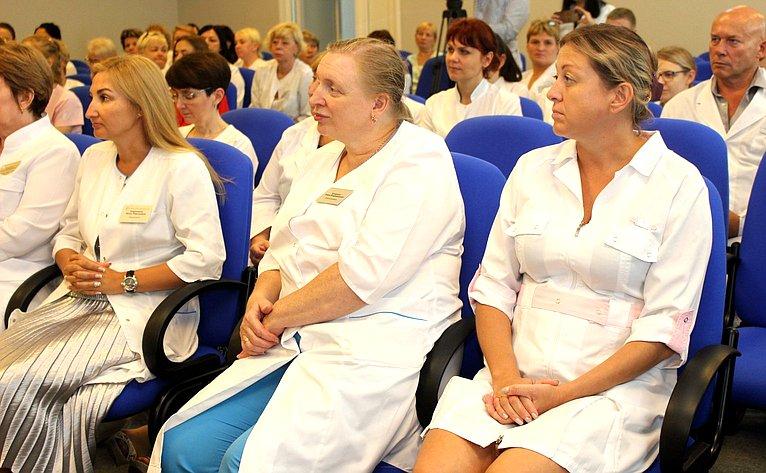 Людмила Талабаева посетила Приморский перинатальный центр