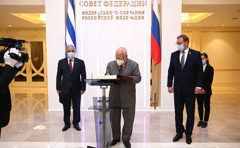 Заместитель Председателя Совета министров Республики Куба Рикардо Кабрисас Руис