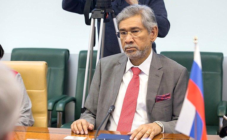 Чрезвычайный иПолномочный Посол Республики Шри-Ланка вРФ Даян Джаятиллека