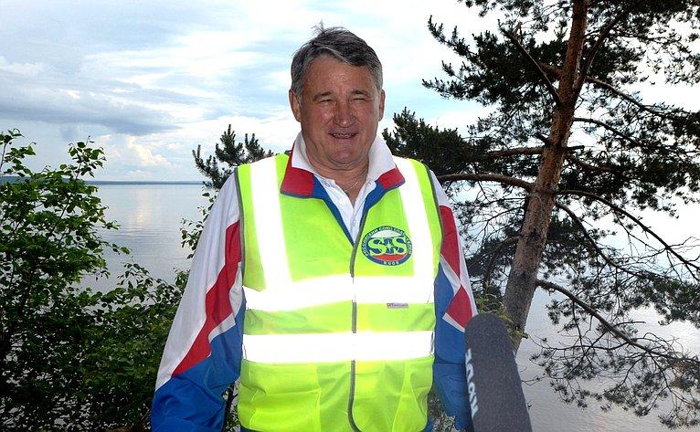 Врамках Форума прошла традиционная экологическая акция «Чистый берег»