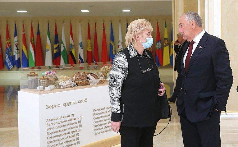 ВСовете Федерации открылась выставка производителей органической продукции