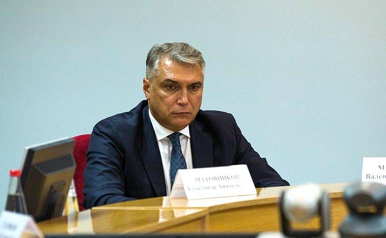 Полномочный представитель Президента РФ вСКФО Алек-сандр Матовников