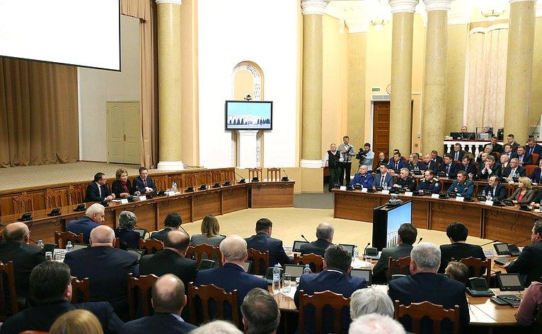 В. Матвиенко вЛипецке навстрече спредставителями местных органов власти