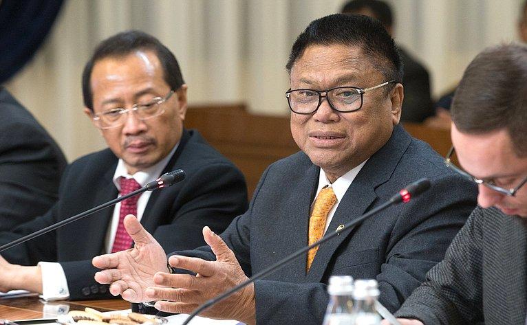 Председатель Совета представителей регионов Народного консультативного конгресса Республики Индонезии Усман Сапта