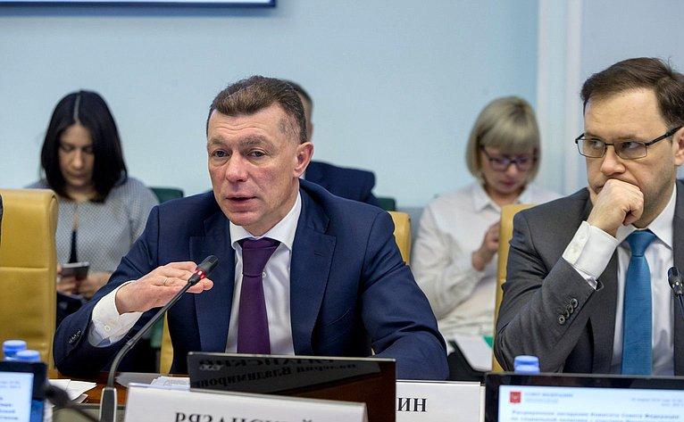 Министр труда исоциальной защиты РФ Максим Топилин