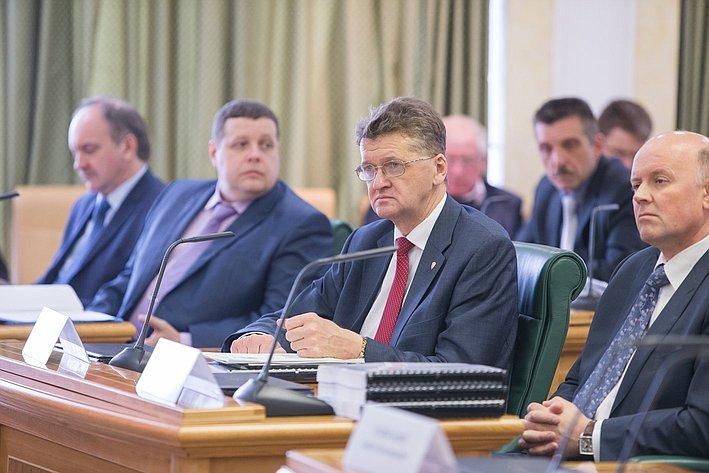 Круглый стол Комитета СФ по обороне и безопасности