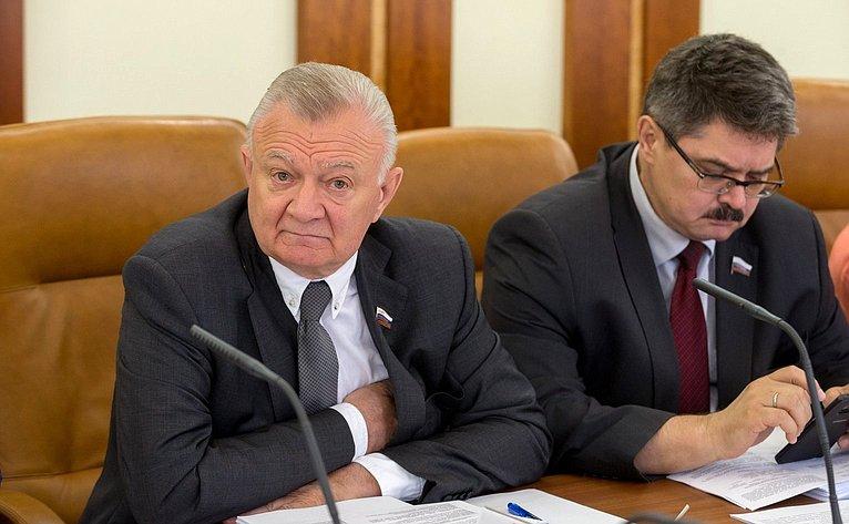 О. Ковалев иА. Широков