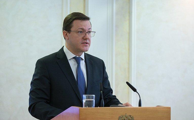 Д. Азаров назаседании Президиума Совета Законодателей