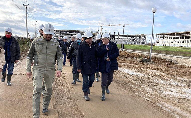 Сенатор посетил строительную площадку кампуса Калужского филиала МГТУ им. Н.Э. Баумана