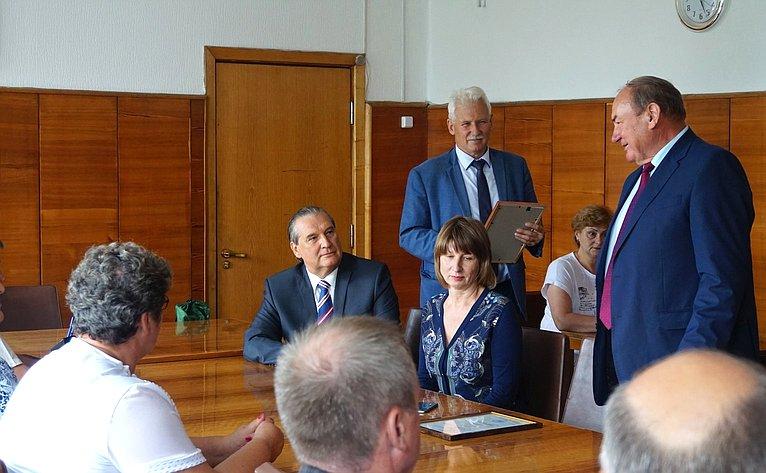 Алексей Александров встретился сруководителями муниципальных администраций вСухиничах