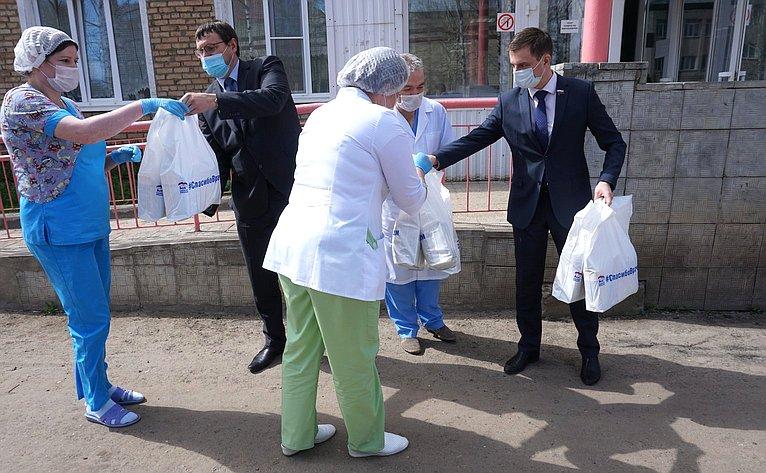 Дмитрий Щатохин посетил Усть-Куломскую центральную больницу