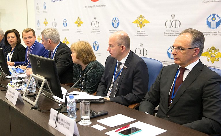 Заседание «круглого стола» натему «Безопасные транспортные системы: использование современных технологий, инструментов обеспечения качества транспортной деятельности ипотенциала институтов гражданского общества»