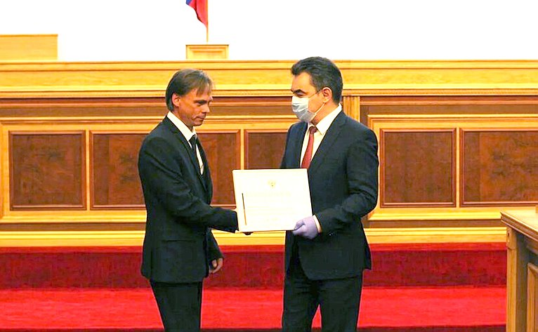 Ирек Ялалов принял участие вцеремонии награждения медицинских работников Республики Башкортостан