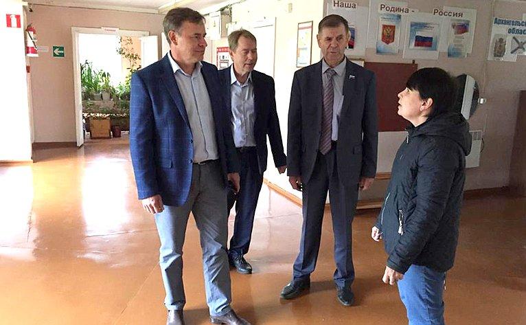Виктор Новожилов посетил Муниципальное образование «Усть-Вельское» Вельского района