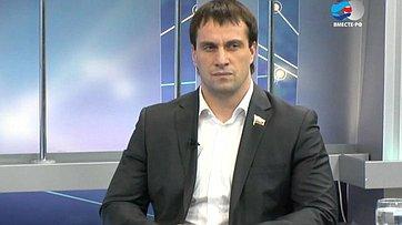 Молодежь. Программа телеканала «Вместе-РФ» Крупным планом