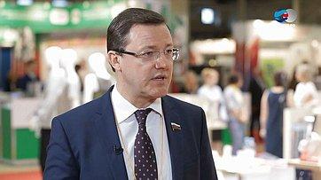 Д. Азаров оЧетвертом форуме регионов России иБеларуси