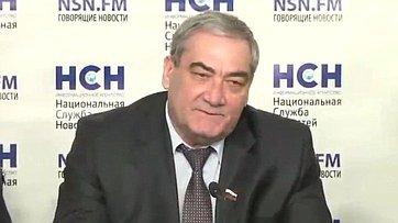 В. Штыров в пресс-центре НСН