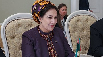 Встреча Валентины Матвиенко сПредседателем Меджлиса Туркменистана Гульшат Маммедовой
