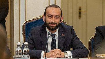 Встреча В. Матвиенко сПредседателем Национального собрания Республики Армения Араратом Мирзояном