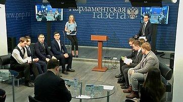 Эдуард Исаков принял участие вдебатах молодых политиков «Можетли спорт быть вне политики?» впресс-центре «Парламентской газеты»