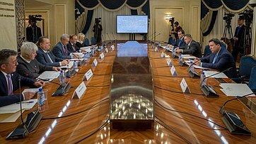 Заседание Временной комиссии СФ позащите госсуверенитета ипредотвращению вмешательства вовнутренние дела РФ. Запись трансляции от25декабря 2017г