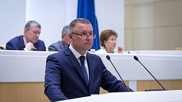 Входе «Правительственного часа» вСФ выступил глава МЧС Е.Зиничев