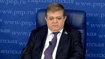 Владимир Джабаров принял участие вработе «круглого стола» потеме «Чем закончится военная кампания вСирии?» впресс-центре «Парламентской газеты»