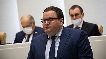 ВСовете Федерации выступил Министр труда исоциальной защиты России А. Котяков